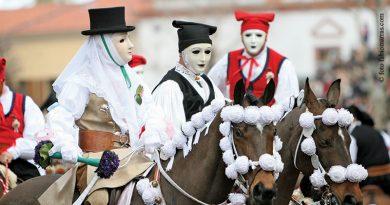 Le donne, i cavalieri, l'armi... È Sartiglia ad Oristano! - foto FabioMarras.com